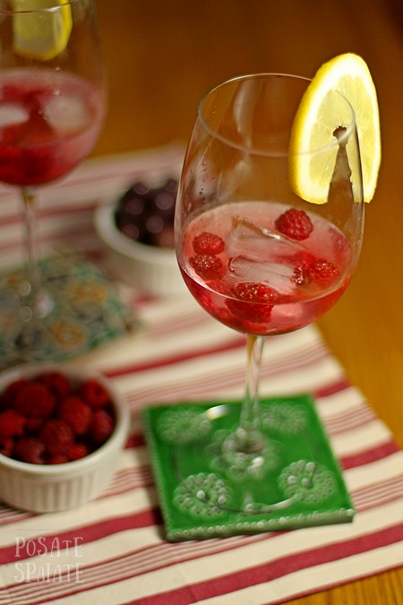 Cocktail con lamponi _Posate spaiate