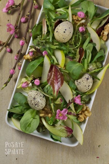 Insalatina di Pasqua con uova di quaglia e fiori di pesco_Posate Spaiate
