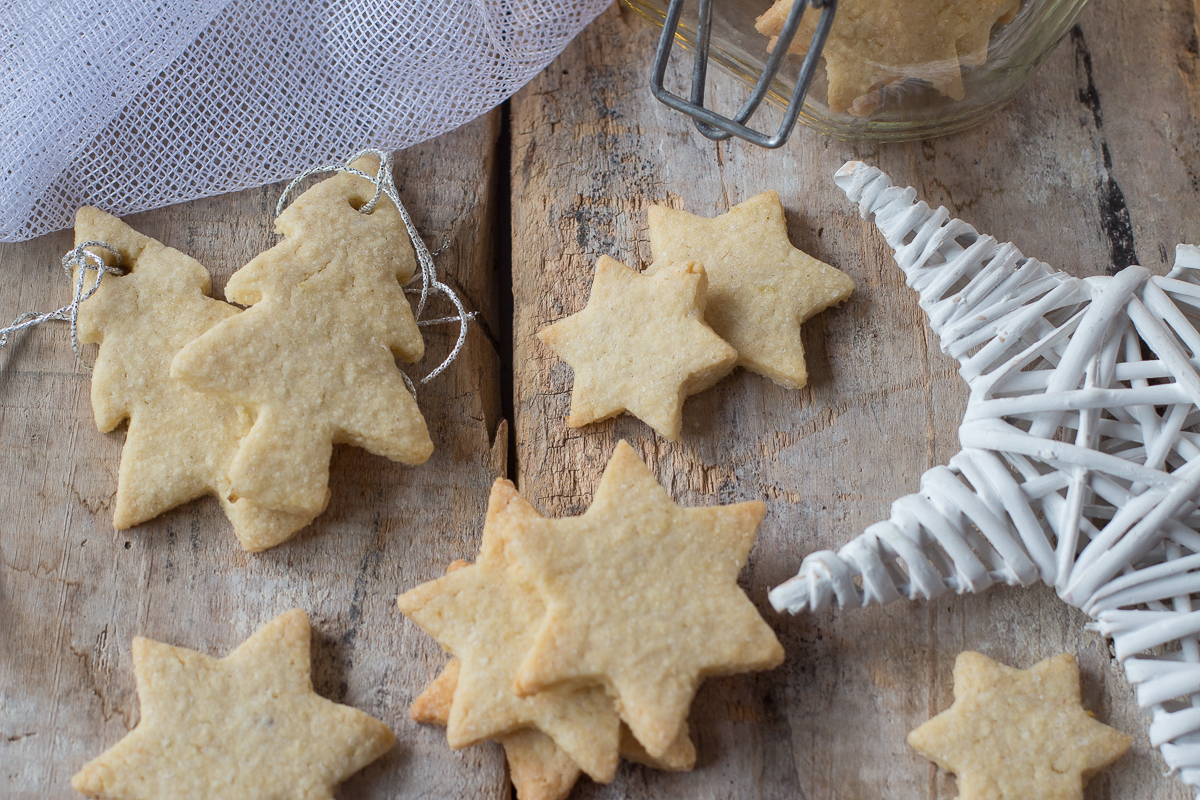 Biscotti con farina di mandorle e scorza di limone_Posate-Spaiate