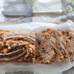 Banana bread integrale con noci e cioccolato fondente