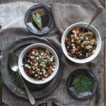 Zuppa di ceci neri, una calda coccola per le sere d'inverno