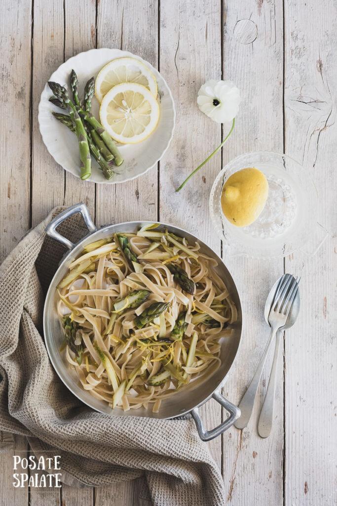 Tagliatelle con asparagi e limone_Posate Spaiate