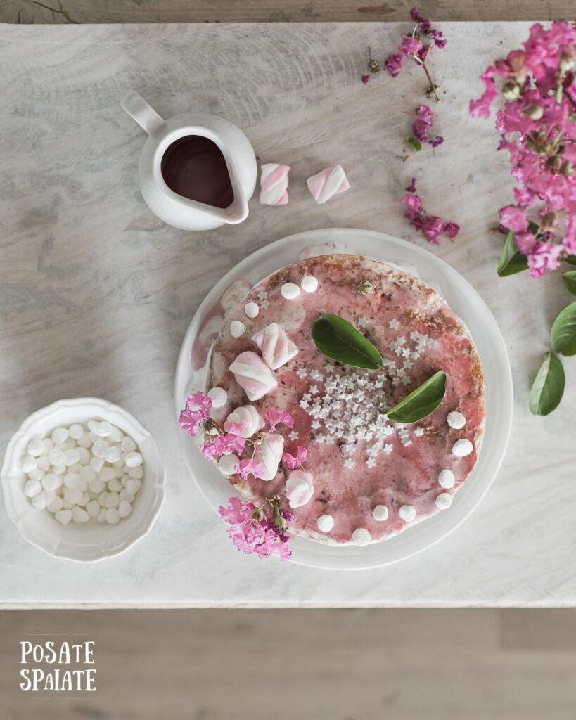 Torta gelato con glassa colorata_Posate-Spaiate